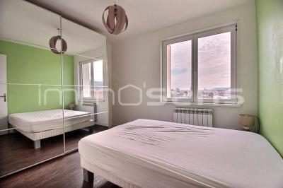 MAXEVILLE T4 2 chambres avec balcon