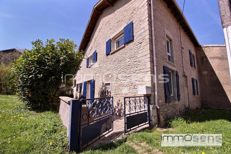 Charmante maison avec garage et jardin