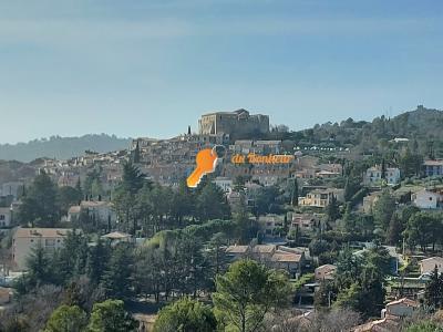 Studio/chambre Gréoux / LOGGIA FERMEE / vue sur chateau / locatif