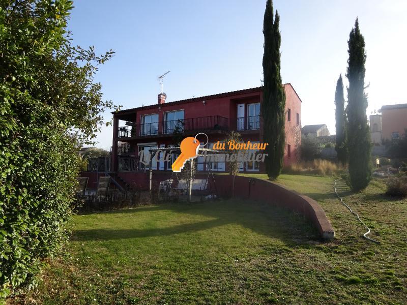 A Vendre Villa d'archite T6 200m² garages piscine jardin commerces écoles transports cave à vin