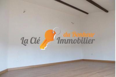 A VENDRE CENTRE RIEZ UN BEL IMMEUBLE - IDEAL INVESTISSEUR