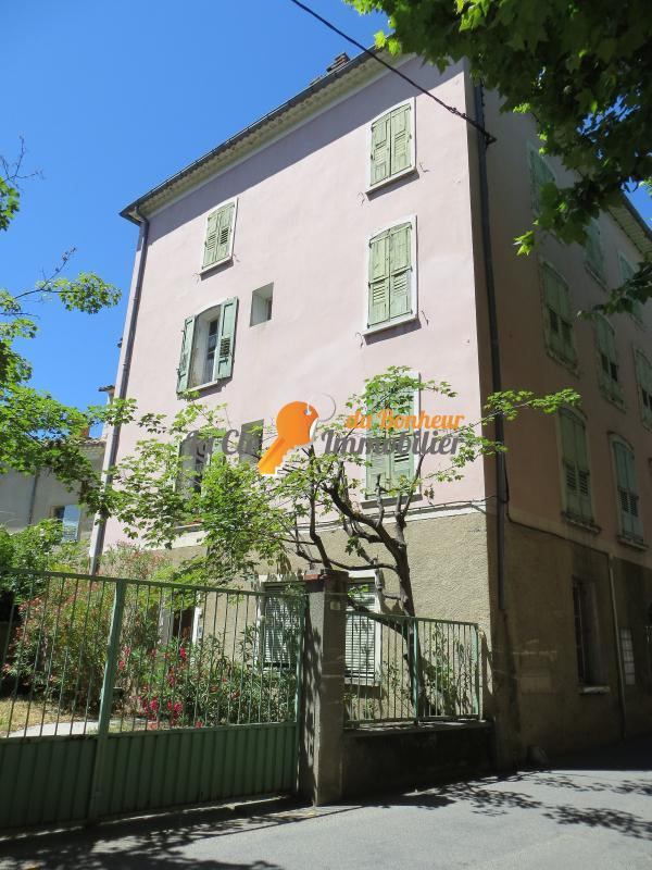 IMMEUBLE RIEZ investissement locatif, chambres d'hotes centre village jardin