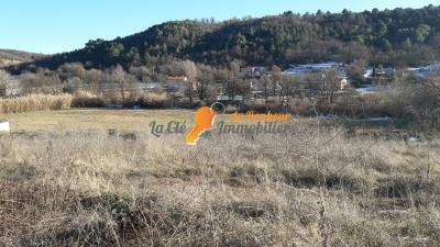 Riez, terrain viabilisé de718 m² dans lotissement