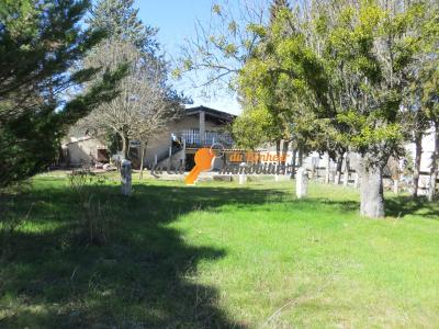 Appartement - Maison avec Jardin - Riez - Proche du centre. terrain constructible