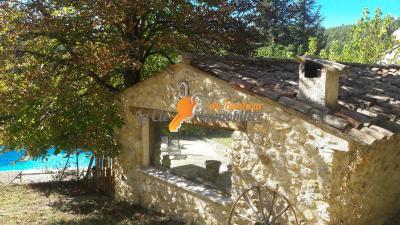 Saint Martin De Brômes-Villa T5 avec piscine et jardin