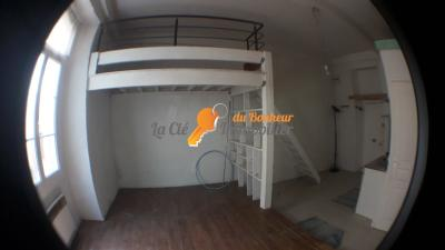 RIEZ, centre du village. STUDIO 32 m²