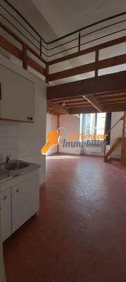 RIEZ, centre du village. STUDIO 24 m²