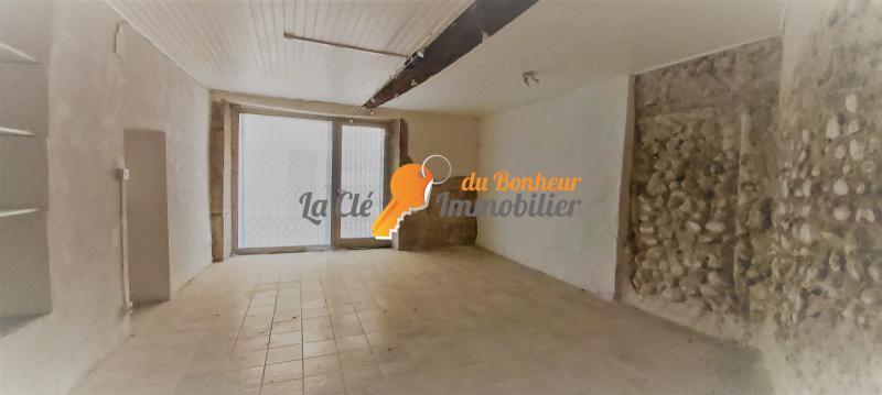 Riez. Local commercial avec pignon sur rue. 36 m²