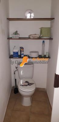Vue: WC, A louer T2 - RIEZ