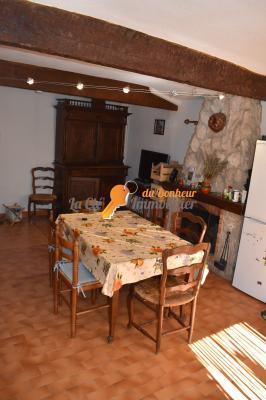 Valensole Maison de Village 2/3 pièces avec cave et grenier
